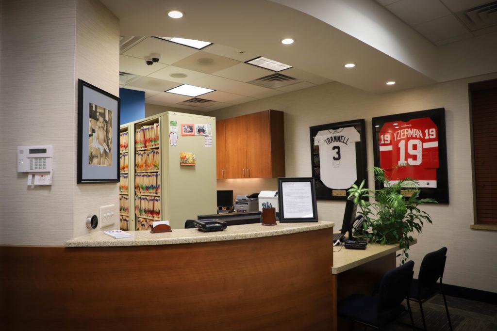 Main-Desk