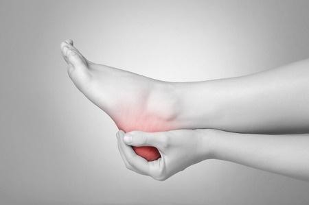 26018320_S_Heel Pain_Feet_Hands_Leg